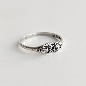 Dainty Vintage Roses Sterling Silver Ring Sz 7.75